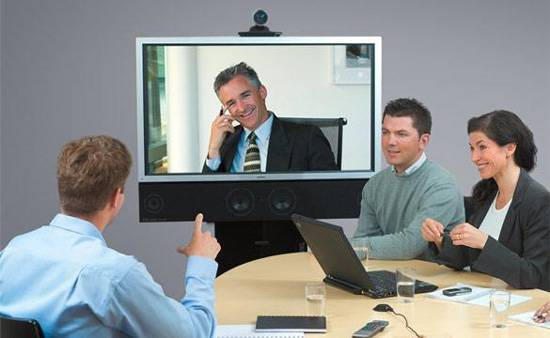 Videoconferencing  with more than two specialists is a great opportunity to compare several expert opinions at once